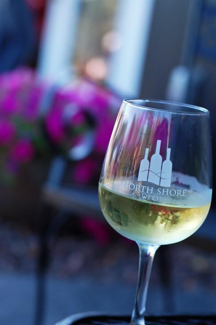 NS Wine white glass
