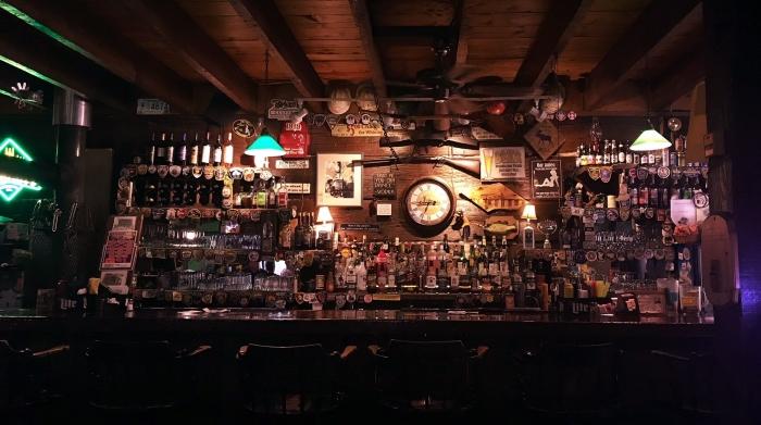 Trestle_Inn_Finland_MN_Bar