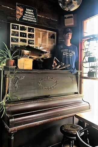 Trestle_Inn_Finland_MN_piano - Copy